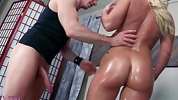 Cali Carter and Ruby Love serves chief exercising together