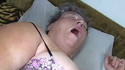 Amateur Bbw Mom Masturbation with Dildo