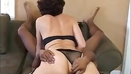 Amamie granny with green hair gets her juicy pussy licked