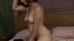 African mom wanking and patron sucking
