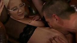 Jenna shows said horny girl how tofrage