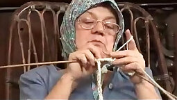 Bristolian queen eating old grandma big cock deep