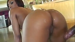 Roxy Reynolds has a sweet and smooth ass