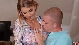 Czech pornstar sensual way sex for cash