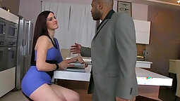 Les masseurs shaved pussy fuck