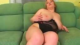 Chubby webcam blonde cougar sucking and stroking