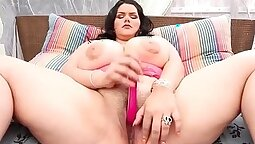 Chubby Latina Gets Her Tight Pussy Open