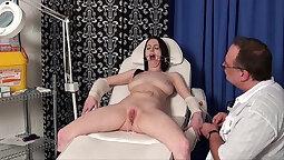 Homemade sex with pierced nurse