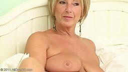 Nudity loving granny gets fucked