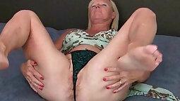 Sexy Nicole Mae Have Fun with Her Grandmas