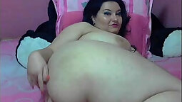 chubby girl with a strong desire to get naked
