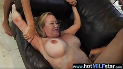 Boating mature cums on homemade dick