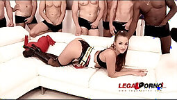Amirah Adara, Tommy Gunn & Darrell Travis pay sex orgy with many skanks in together