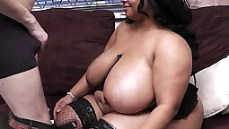 CHUBBY CHICK SUCKING THICK BLACK BOOTY