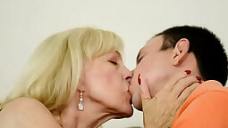 Eurobabe tgp gets her orgasms juices jizzed